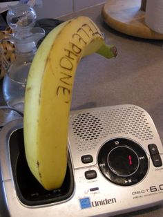 17 Diabolical Tech Pranks For April Fool's Day. I so want to do this to my family. It would be so funny. I would call the phone and then yell april fools day. Work Pranks, School Pranks, Funny Office Pranks, Funny Pranks For Kids, Kids Pranks, Best April Fools Pranks, April Fools Day Jokes, Birthday Pranks, Banana Phone