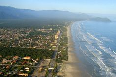 Praia da Boracéia, em Bertioga. Visite o BrasilGuias