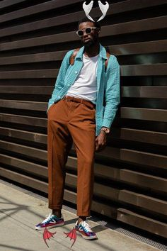 Street style: Pitti Uomo 97 for AW20 | Esquire SG Street style: Pitti Uomo 96 for SS20 | Esquire SG<br> London Street Style Men, Best Street Style, London Fashion Week Mens, Cool Street Fashion, Casual Street Style, Street Style Looks, Men Street, Fashion Men, Esquire