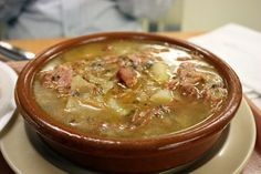 Caldo Gallego is a traditional Galician soup made with cabbage, collard greens… Spanish Dishes, Spanish Food, Spanish Recipes, Winter Soups, Winter Food, Spanish Churros Recipe, Beef Recipes, Mexican Food Recipes, Top Recipes