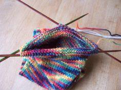 Sokkenbreien voor beginners – Deel 2 | Ontrafeld Crochet Bikini, Knitted Hats, Anton Pieck, Socks, Knitting, Everything, Tricot, Breien, Sock