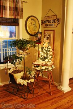 Creative Country Mom's Vintage Home and Garden: A Very Vintage Christmas - Decorating for the Holidays with Antiques