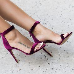 Khole is our most loved single sole! Don't miss it #shopnow www.lillyskloset.net