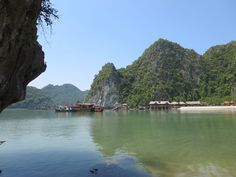 Einsame Insel in der Halong Bay Hoi An, Da Nang, Hanoi, Vietnam, Hue, Wings, Album, Water, Blog