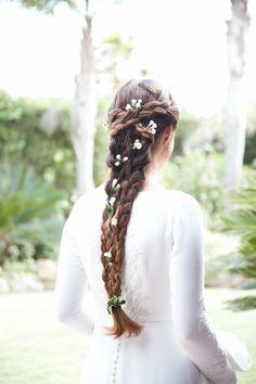 Girls Dresses, Flower Girl Dresses, Wedding Dresses, Hair Styles, Fashion, Vestidos, Bridal Hairstyles, Braided Updo, Aesthetic Center