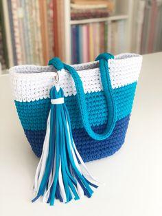 Diy Crochet Bag, Crochet Bag Tutorials, Crochet Case, Mode Crochet, Crochet Market Bag, Crochet Videos, Knit Crochet, Crochet Handbags, Crochet Purses