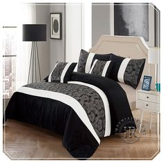 Faux silk jacquard duvet cover are the hallway to enjoy luxurious entity of the rooms. This product comes in a complete range that has to do with the Duvet Cover and Cushions.