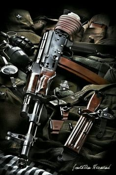 Kalashnikov // Photo captured by Jonathan Marmand reposted by Everything AK Guns, Gear & Girls - Kalishlife assaultrifle Pewpewlife Kalishnikov AKM Molonlabe Weapons Guns, Guns And Ammo, Rifles, Ak 74, Armas Ninja, Battle Rifle, Fire Powers, Cool Guns, Assault Rifle