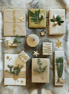 Beautifully decorated gift packages for the holidays! – natural gift wrapping – Marie Claire Ideas Source by mcidees Christmas Gift Wrapping, Diy Christmas Gifts, All Things Christmas, Holiday Gifts, Christmas Decorations, Santa Gifts, Christmas Ideas, Holiday Ideas, Creative Gift Wrapping