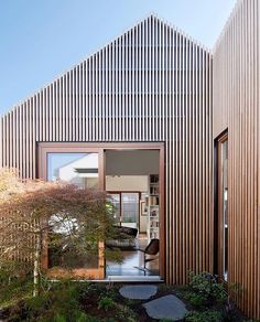 Exterior Australian Architecture - House In House - Steffen Welsch Architects 5 Architecture Durable, Architecture Design, Residential Architecture, Contemporary Architecture, Architecture Courtyard, Australian Architecture, Timber Cladding, Exterior Cladding, Cladding Ideas