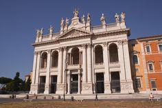 La Archibasílica del Salvador y de los Santos Juan Bautista y Juan Evangelista, más conocida como de San Juan de Letrán (San Giovanni in Laterano), es la catedral de la ciudad de #Roma. http://www.viajararoma.com/iglesias-de-roma/san-giovanni-in-laterano/ #turismo #viajar #Italia