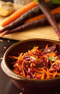 healthy carrot salad with Asian flavour and no oil