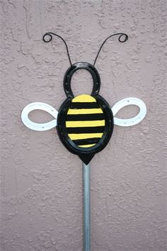 HORSESHOE BEE  they want $25.00 but I can make and sell it for 17.50