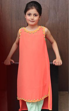 B Eid kids Collection and ready to wear collection is pretty awesome for kids. Mostly for baby girls they will look like little angels and princes by Girls Casual Dresses, Cat Dresses, Little Girl Dresses, Doll Dresses, Kids Frocks, Frocks For Girls, Girls Party Dress, Baby Dress, Kids Salwar Kameez