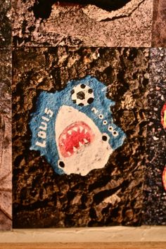 Chewing gum art... a little disturbing (and unsanitary), but also kind of awesome.