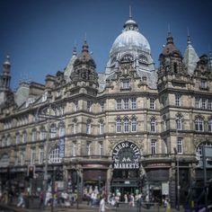 Leeds Markets. #architecture #architecturedetail #lovinleeds #leeds #leedsmarkets #buildings #buildingfacade #heritage #heritagebuilding #architect #stowdesigned