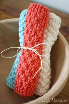 I can't get enough of this sweet little dishcloth kntting pattern! 5 Free Knit Dishcloth Patterns