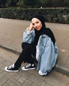 52 New Ideas for dress casual modest converse – Hijab Fashion Modern Hijab Fashion, Street Hijab Fashion, Hijab Fashion Inspiration, Islamic Fashion, Muslim Fashion, Casual Hijab Outfit, Casual Dresses, Casual Outfits, Fashion Outfits
