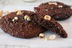 These gluten free hazelnut mocha cookies are so delicious. The rich blend of chocolate and coffee works so well with the soft nutty biscuit. Mocha Cookie Recipe, Cookie Recipes, Vegan Gluten Free Desserts, Vegan Recipes, Vegan Baking, Healthy Baking, Big Cookie, Cupcake Cookies, Cupcakes