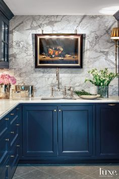 Minimalist Home Interior Navy & Marble.Minimalist Home Interior Navy & Marble Kitchen And Bath, New Kitchen, Kitchen Dining, Kitchen Decor, Basement Kitchen, Kitchen Pantry, Vintage Kitchen, Larder Cupboard, Gold Kitchen