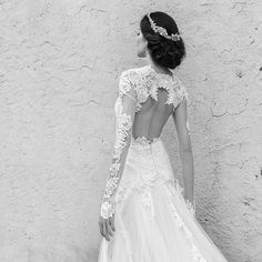 Alessandra Rinaudo accessories, for a special total look! #alessandrarinaudo #nicolefashiongroup #nicolespose #bridal #totallook #madeinitaly