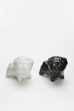 Bulldog Salt And Pepper Shaker @Tracy Russell Stranahan