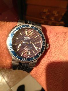 Dies war meine erste Oris, eigentlich auch meine Erste teure Uhr überhaupt.  Gekauft habe ich Sie 1999 in Gran Canaria im Urlaub. Ich war damals erst kurz mit meiner jetzigen Frau zusammen, es war unser erster Urlaub. Die Oris hat mich trotz Dellen und Kratzer bis heute nie im Stich gelassen. Nun werde ich Ihr einen Ehrenruheplatz in meiner Uhrenbox zukommen lassen. - Mario Mader