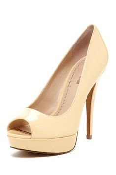 Angle Peep Toe Pump