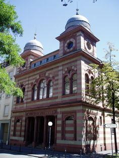 """A synagogue in Zurich, Switzerland, in the style of """"Moorish architecture"""" that was popular among Jewish communities throughout Europe and in North America in the late nineteenth century. Using this type of architecture arguably was more than a mere fashion and served Jewish communities to express their Jewish identity at a time when they also sought inclusion into European society and culture. (M. Lehmann)"""