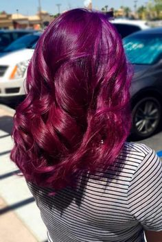 Purple red hair is the perfect combination for those ladies who are dying to try something new and unusual. Besides, you can always mix and match!