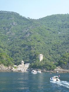 Nave, Portofino→San Fruttuoso, Liguria Italia (Luglio)