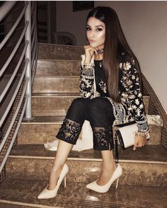 indian fashion Suits -- Click Visit link above to read Pakistani Party Wear, Pakistani Couture, Pakistani Dress Design, Pakistani Outfits, Lehenga Designs, Indian Wedding Outfits, Indian Outfits, Muslim Fashion, Bollywood Fashion