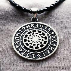 Bordados Viking, Pocket Watch, Pendant Necklace, Watches, Accessories, Jewelry, Jewlery, Wristwatches, Jewerly
