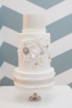 Beautiful Cake Pictures: Elegant Quilling Wedding Cake - Cakes With Jewels, Elegant Cakes, Wedding Cakes, White Cakes - White Cakes, White Wedding Cakes, Beautiful Wedding Cakes, Gorgeous Cakes, Pretty Cakes, Amazing Cakes, Cake Wedding, Beautiful Cake Pictures, Gateaux Cake