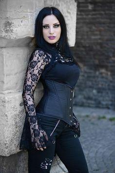 Model: Kali Noir Diamond Photo: Vanic Photography Blouse: Punkrave Welcome to Gothic and Amazing |www.gothicandamazing.org