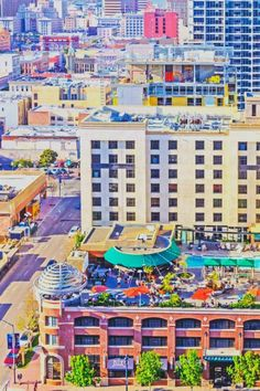 Capture the downtown cityscape and local hot spots from San Diego Marriott Gaslamp Quarter. Our hotel near Petco Park has chic restaurants and bars and modern rooms. Rooftop Bar, San Diego, Times Square, Roman, Lounge, Sky, Photography, Travel, Airport Lounge