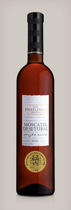 Moscatel Superior 2003. Challenge Internatinal Du Vin Gold Medal Winner.