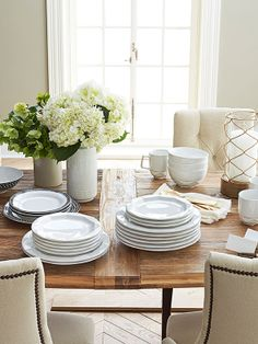 Go from formal to casual with Nate Berkus dinnerware made to dine for years to come.