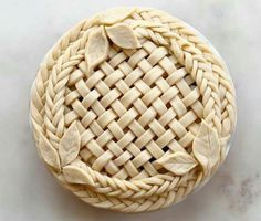 So doing this for thanksgiving this year! My peach-apple pie will look so nice with this on the top lol