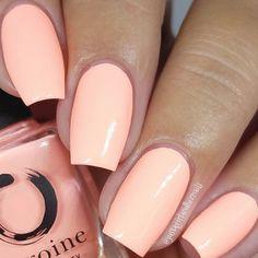 Coral Nail Polish, Mauve Nails, Peach Nails, Pastel Nails, Glitter Nails, Peach Acrylic Nails, Summer Nail Polish Colors, Polish Nails, Coral Pink Nails