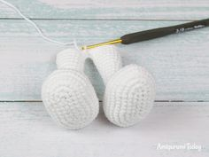 The Pretty Bunny Amigurumi Pattern will help you to create a crochet toy with a lot of cute details. This lovely amigurumi bunny is an ideal Easter gift! Crochet Bunny Pattern, Easter Crochet Patterns, Crochet Dolls Free Patterns, Crochet Motifs, Crochet Crafts, Crochet Toys, Crochet Stitches, Crochet Projects, Crochet Basics