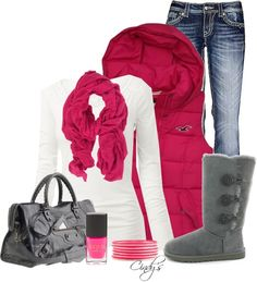 Winter pops PINK in this outfit! Super cute after a day on the slopes or for those longing to be on the slopes!