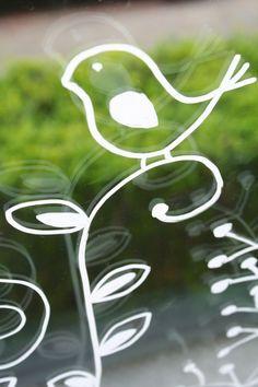 droedelen op het raam.. voor tegen de inkijk.. Chalkboard Doodles, Chalkboard Art, Painted Window Art, Window Paint, Window Markers, Chalk Design, Store Window Displays, Chalk Lettering, Chalk Markers