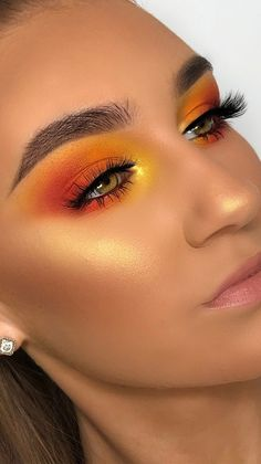 Make-up Gorgeous bright makeup look created by using Playhouse Eyeshadow Palette Makeup Eye Looks, Creative Makeup Looks, Cute Makeup, Glam Makeup, Gorgeous Makeup, Makeup Inspo, Eyeshadow Makeup, Eyeshadow Palette, Bright Eyeshadow