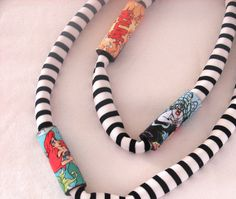fabric+necklace | ikaxela: fabric necklace!!! Fabric Necklace, Fabric Jewelry, Bling, Personalized Items, Necklaces, Jewel