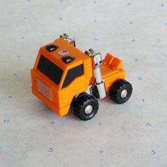 Vintage G1 Transformers Mini Autobot Huffer - Takara Japan