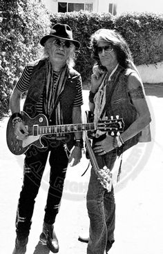 Brad Whitford and Joe Perry Rock And Roll Bands, Rock N Roll, Rock Bands, Brad Whitford, Steven Tyler Aerosmith, Joe Perry, Gibson Sg, Best Guitarist, Music Albums