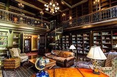 La biblioteca de una villa , Castillo a ellison bay (Wi, EEUU). La Villa está en venta por 25 millones de euros.
