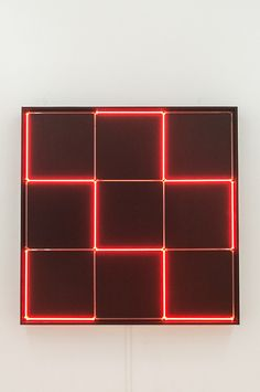 Francois Morellet - Tirets Neon 0°-90° avec 4 rythmes interferents (1971)