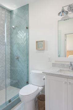 Coastal Bathroom Tile Combination Inspiration The tile combination in this bathroom is beyond inspiring Coastal Bathroom Tile Combination Ideas Coastal Bathrooms, Beach Bathrooms, Coastal Kitchens, New Bathroom Designs, Bathroom Interior Design, Bathroom Ideas, Bathroom Makeovers, Bathroom Organization, Beach House Bathroom